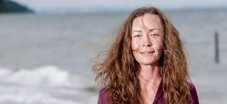 Mikaela Sindesen står frem og taler om at være psykisk syg for at nedbryde tabuet.