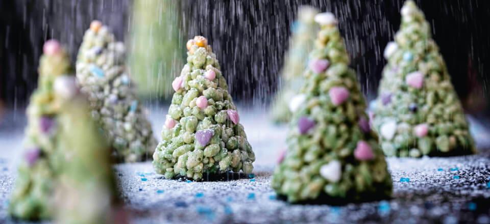 Knasende chokolade-juletræer til en vegansk og plantebaseret jul