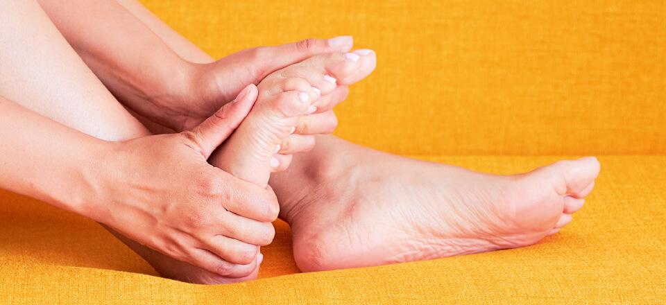 Sklerose sætter sig i fødderne